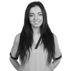 Fátima Fernández - Ayudante implantes dentales